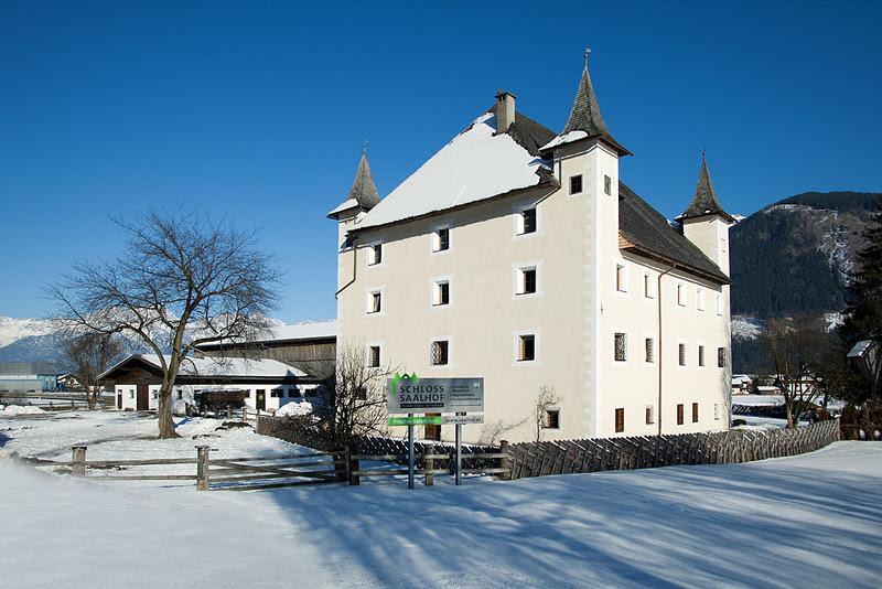 Schloss Saalhof im Winter